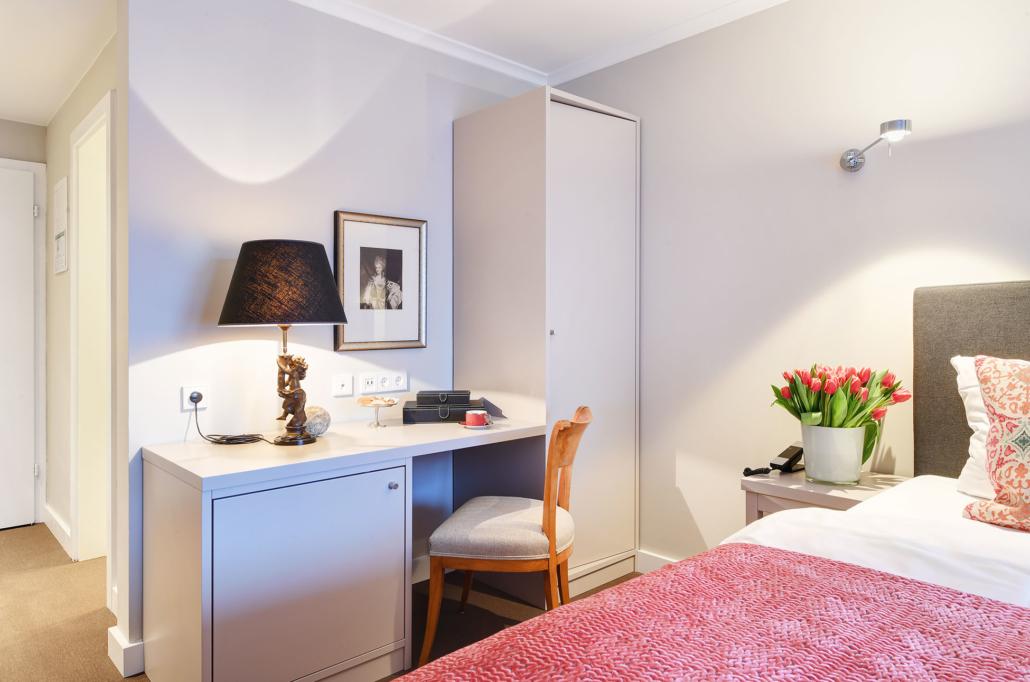 Hotel Admiral München | Superior Zimmer | Doppelzimmer zum Hof | Gartenblick