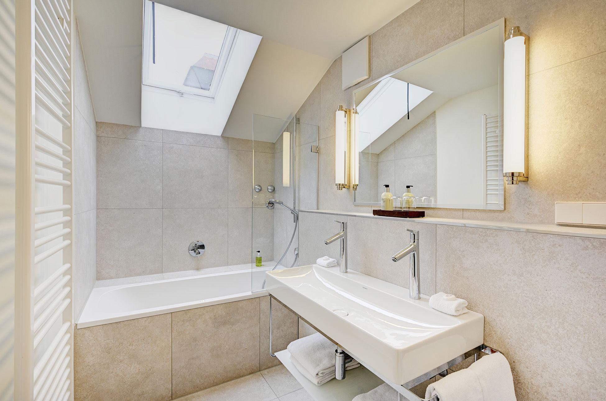 Hotel Admiral München | Superior Zimmer | Badezimmer Suite